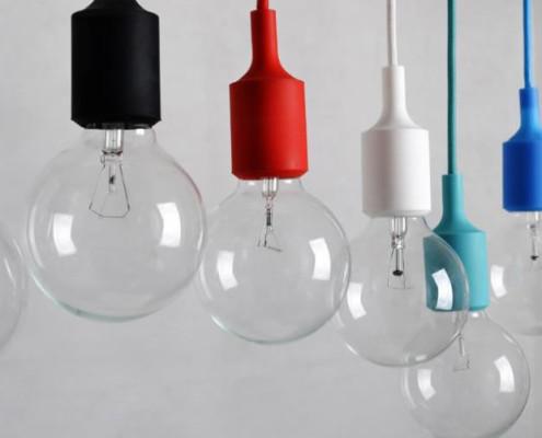 Foto 3: lampen met gekleurde siliconen fittinghulzen