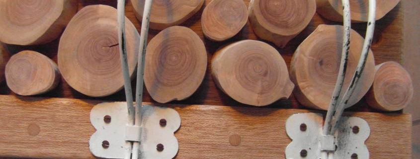 3/5 De ringen van de houten appelschijfjes zijn hier mooi te zien