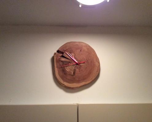 Deze klok heb ik op bestelling gemaakt en hangt nu bij de klant op een mooie plek