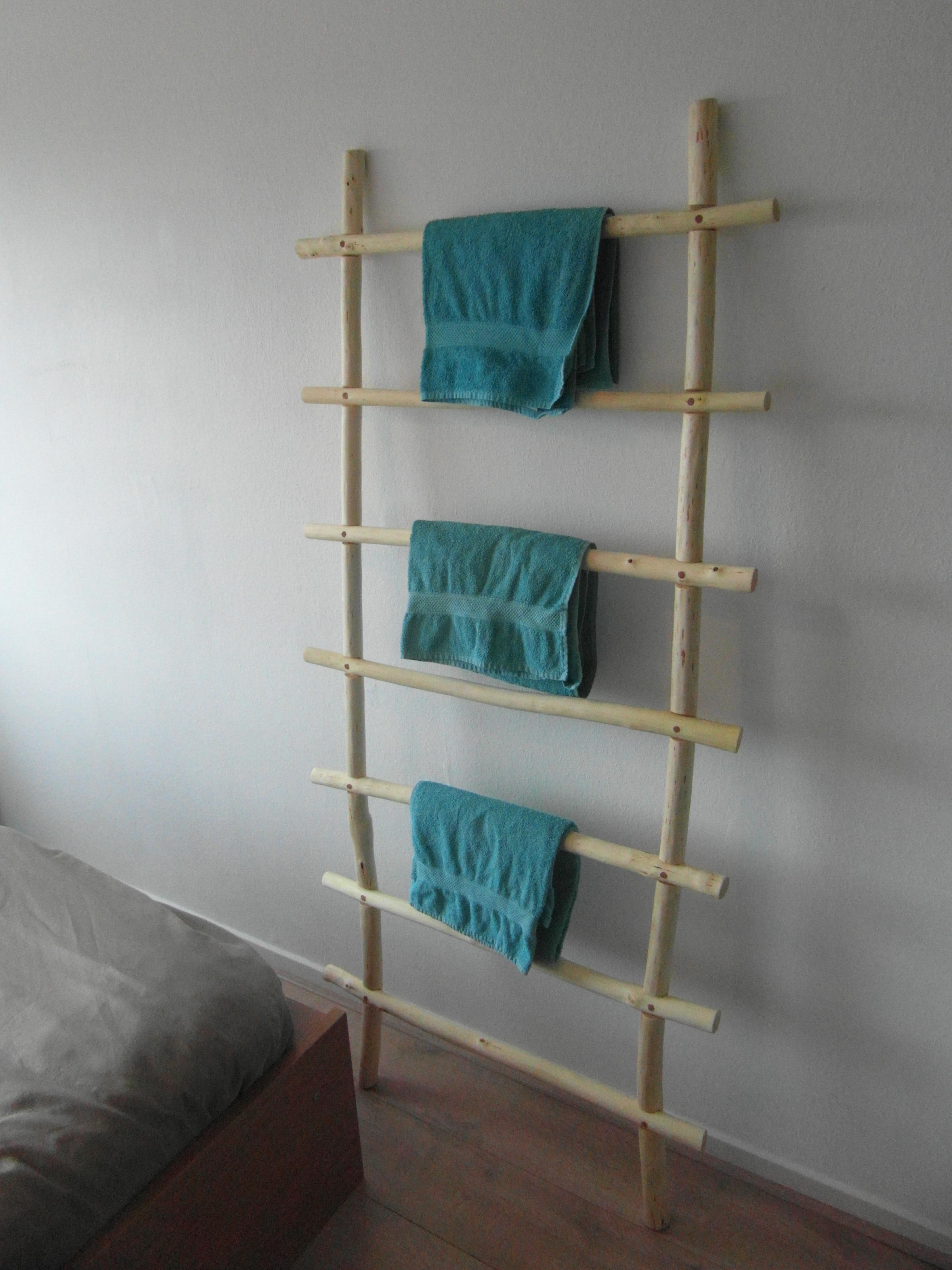 De ladder heb ik met een olie ingesmeerd waardoor je er ook handdoeken overeen kunt hangen om te laten drogen