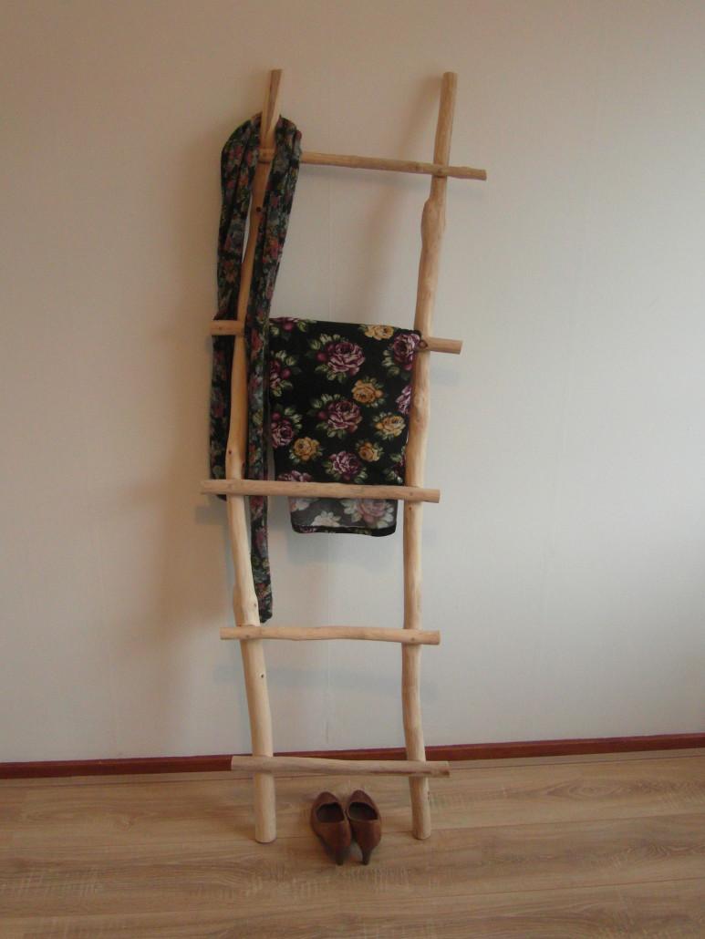 Finest twee bijna identieke sierladders with kleding ladder for House doctor ladder