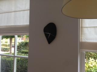 Een van mijn klanten heeft de klok op een centrale plek in de woonkamer gehangen