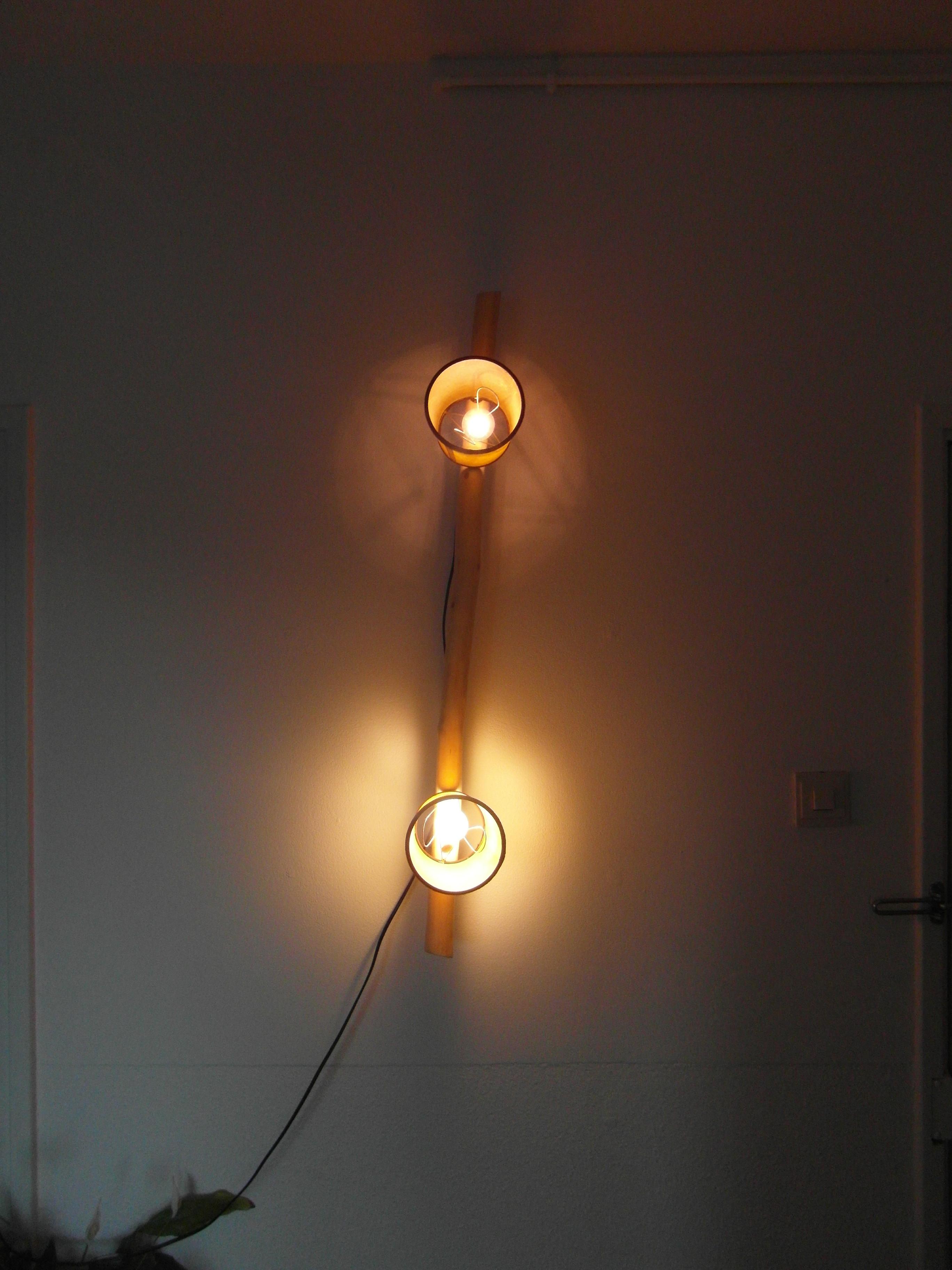 Dit effect is hier ook erg goed te zien. Boven heb ik een LED-lamp gebruikt en onder een spaarlamp.