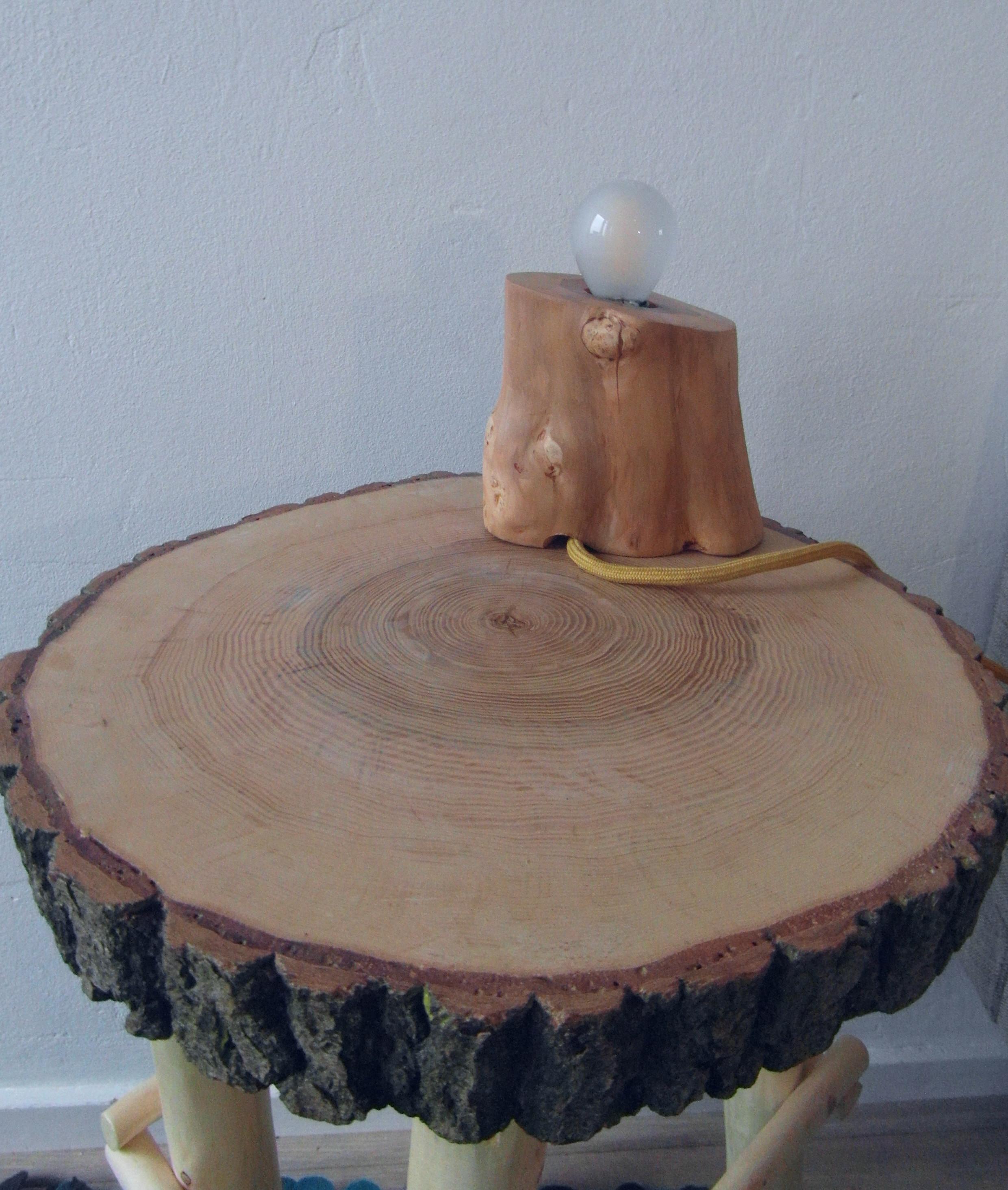 Verschillende accessoires van natuurlijk hout vullen elkaar mooi aan